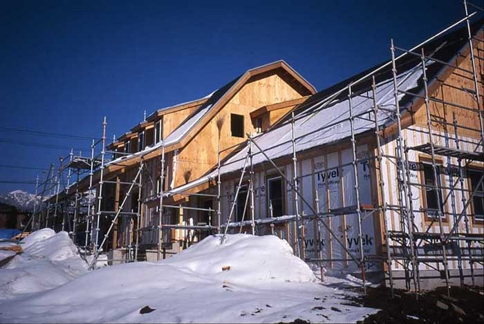 冬本番 雪景色の建物